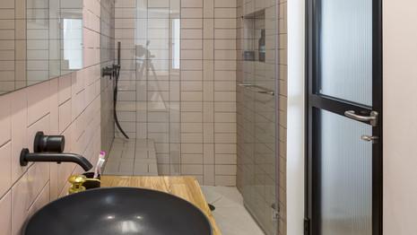 חדר אמבטיה הורים #3
