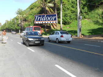 1109 - Barra. Tridoor Morro Ipiranga - em frente ao  Clube Espanhol