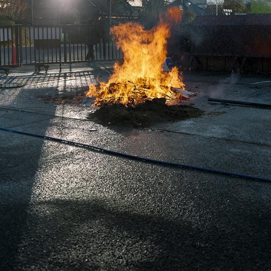 fuego en la calle.jpg