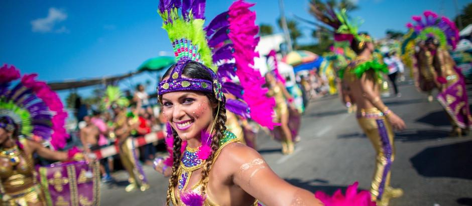 Kleurrijk Arubaans carnaval