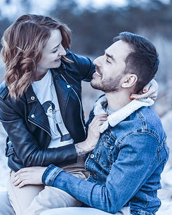 affection-couple-happiness-2118604.jpg
