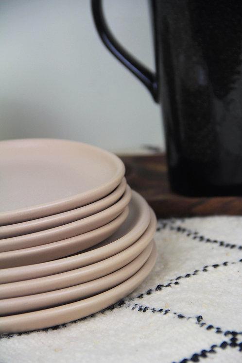 Assiette carrée rose pâle