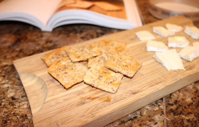 Homemade Cheese Crackers (K)