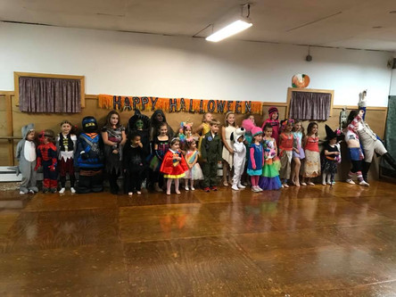 Pictures from the Combo Class Halloween Party!!