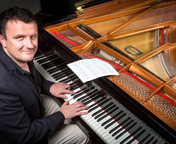 Ric Mills at the piano