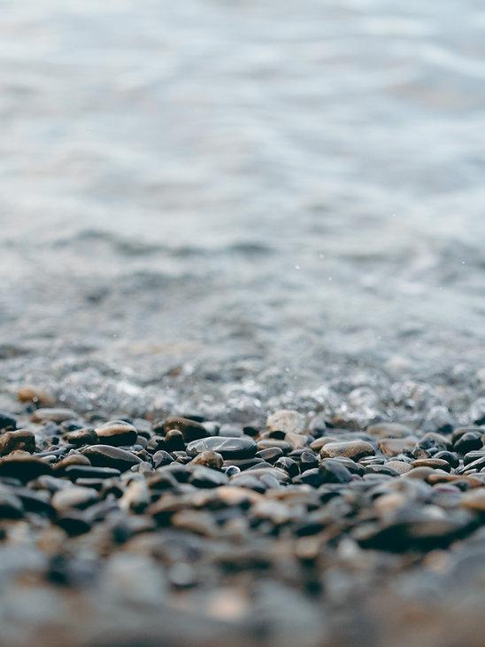 close-up-photo-of-rocks-at-beach-3560027