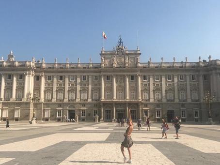 El Palacio real es una vista obligada para cuando estés en Madrid.