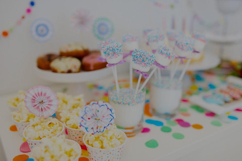 Birthday%20Party%20Table_edited.jpg