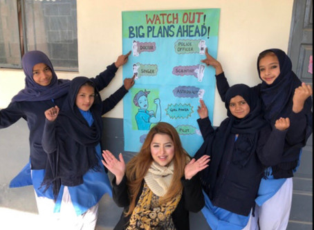 Fellow Rida Rizvi and her 4th graders in Sihala