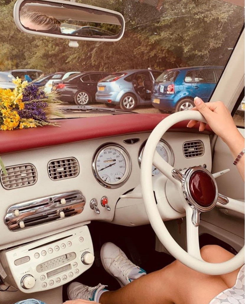 Nissan Figaro Front View.jpg