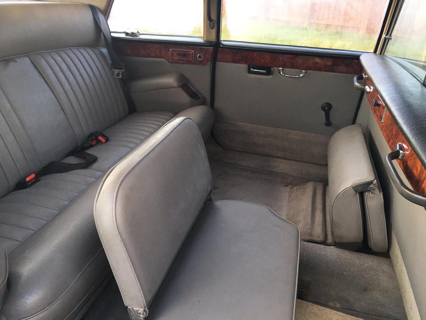 Daimler DS 420 Rear Interior.jpg