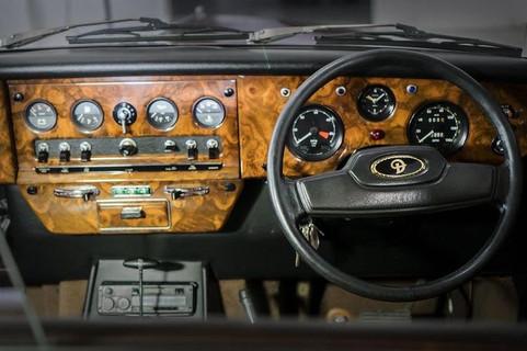 Daimler DS 420 Front Interior.jpg