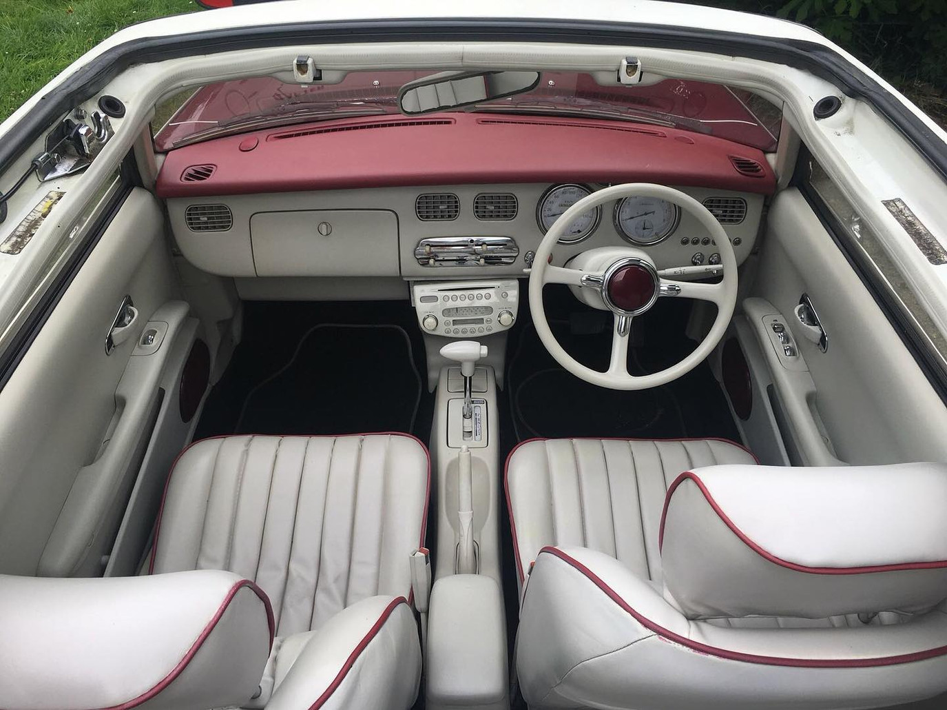 Nissan Figaro From the top.jpg