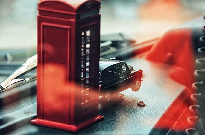 LTI Fairway FX4 Dashboar Toys.jpg