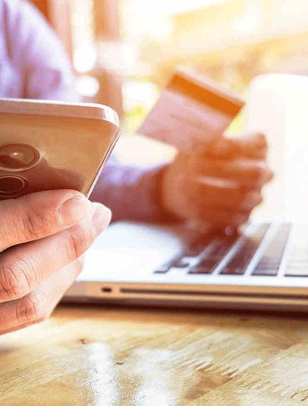 commande en ligne pour pizza a emporter. Paiement par carte bancaire via le site internet depuis un ordinateur ou un smart phone. Paiement sécurisé.