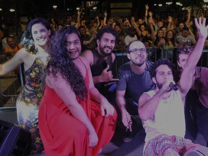 Música na Praça teve show de Pedro Falcão e a Sertônica