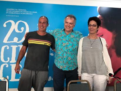 Cineasta Wolney Oliveira e equipe participaram de debate com jornalistas sobre seu documentário