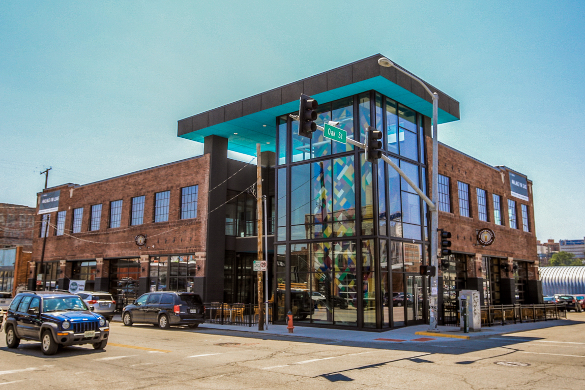 1801 Oak Street Building Exterior