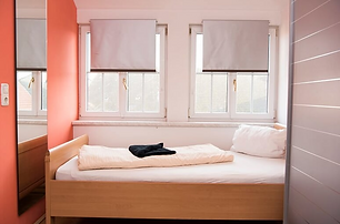 Apartment 5 (Schlafzimmer).PNG