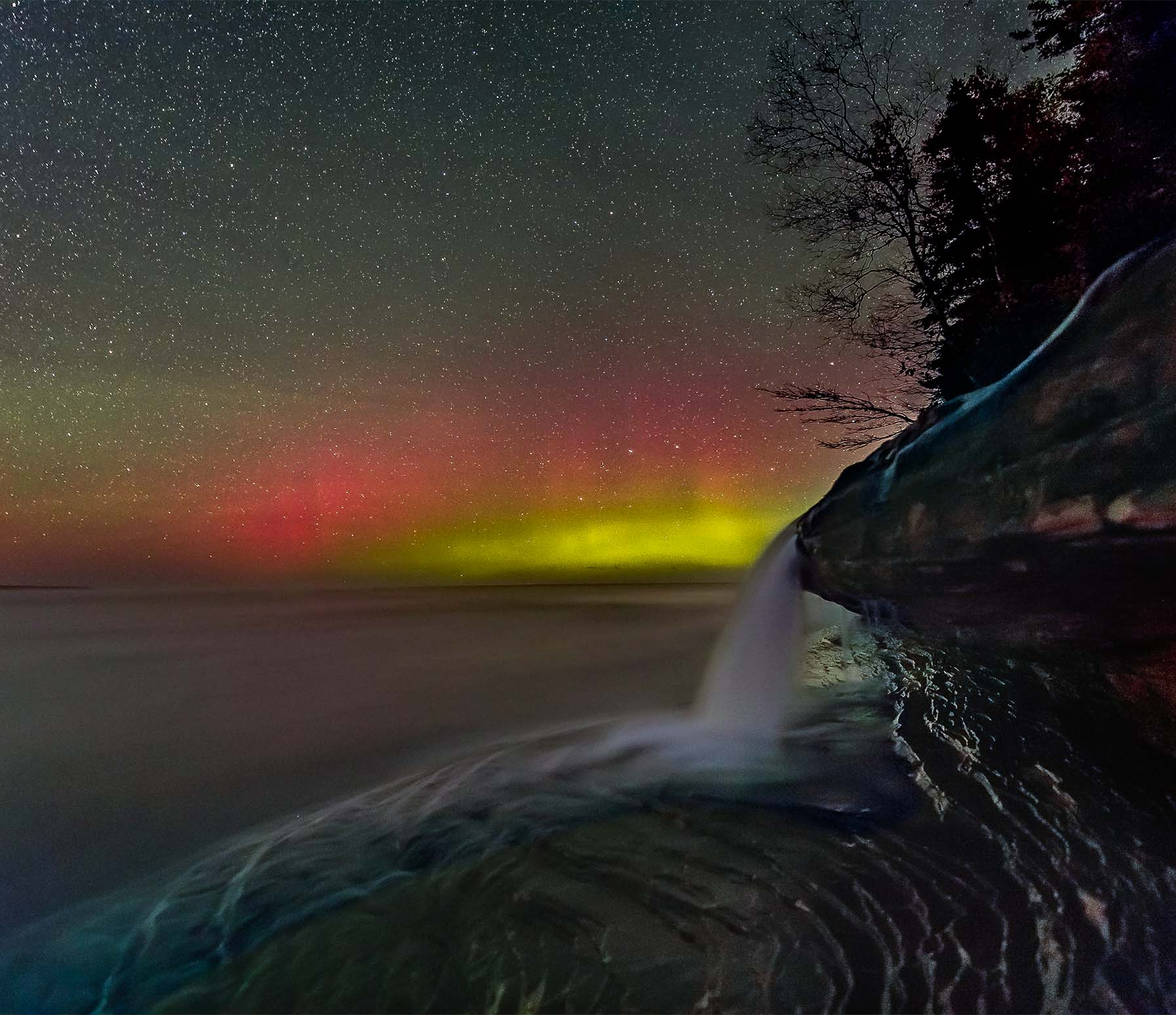 Elliot Falls Aurora