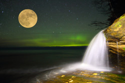 Elliott Falls Moon