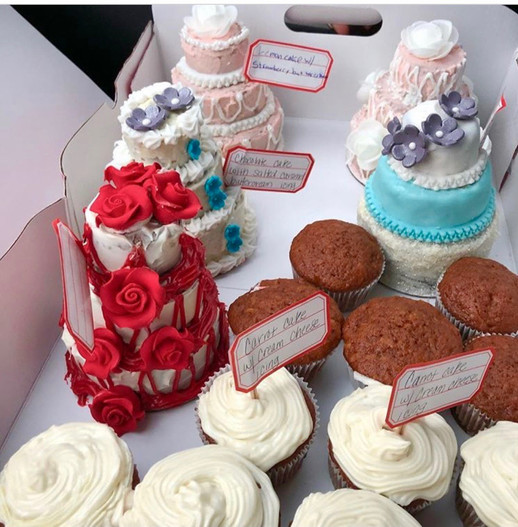 Assorted-cakes-and-cupcakes.JPG