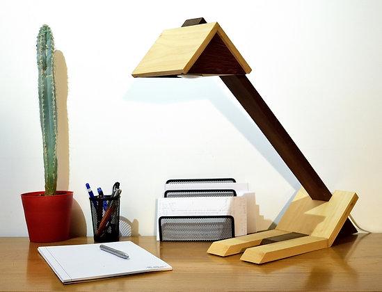 Otero: lampe de bureau en bois massif