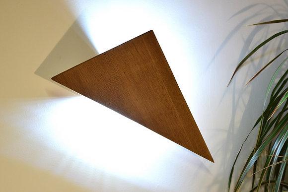Jiru: applique design en bois massif