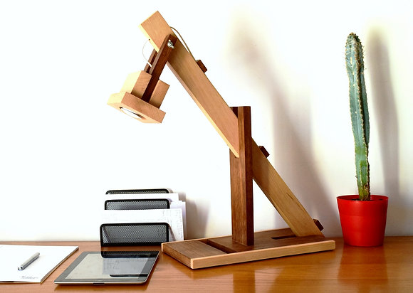 Sumiro: lampe en bois, Iroko et Hêtre
