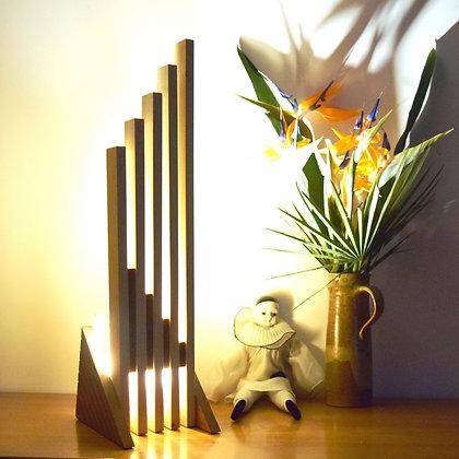 Zabena: lampe en Chêne teinté et Tulipier naturel