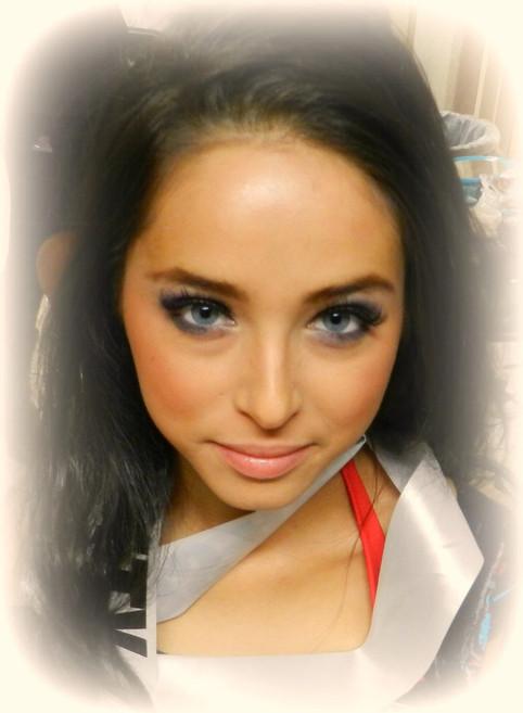 MakeUp and Hair:Mari Idaka