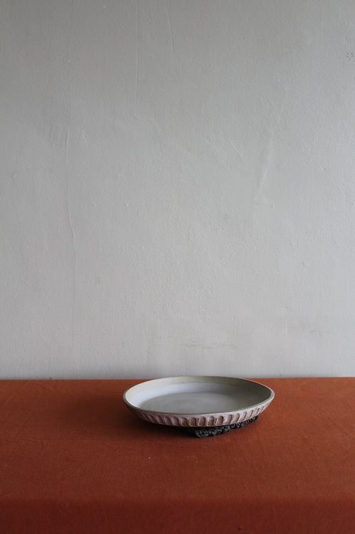 cream deep dinner plate