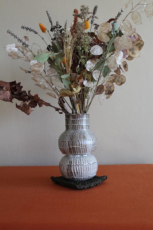 black medium ridged vase