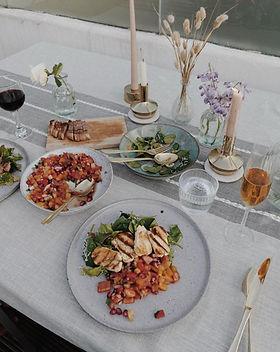 theindiaedit sirloin steak & salad.jpg