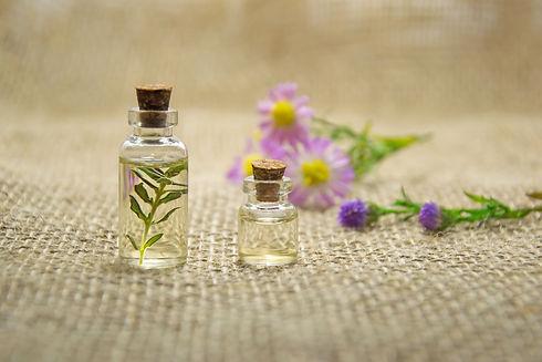 aromatherapy-bottles-close-up-672051.jpg