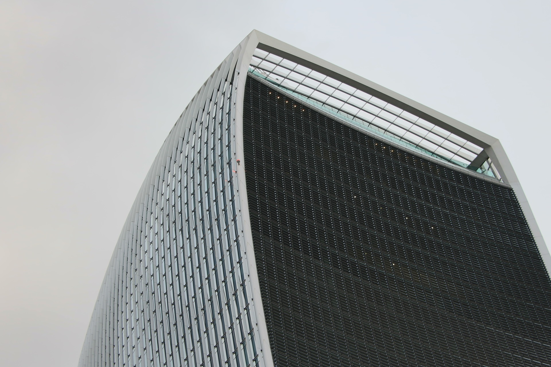 building-1031504_1920.jpg