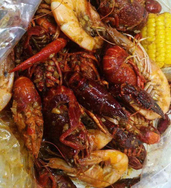 Rock & Toss Crab House | Maryland's Best Seafood Boil