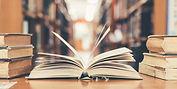 Abrir libro de texto en la biblioteca