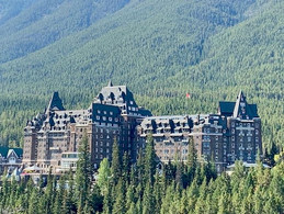 The Castle in the Rockies – Banff Springs Hotel & Golf Course
