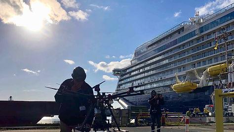 luftaufnahme, industriefilm, Kreuzfahrtschiff, ausdocken der spirit of discovery von saga cruises