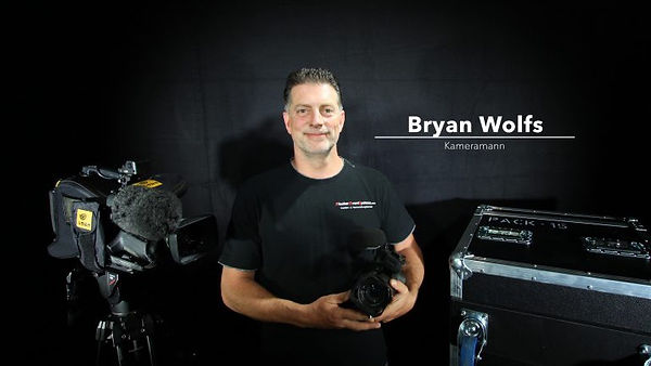 Bryan_Wolfs-768x512_edited.jpg