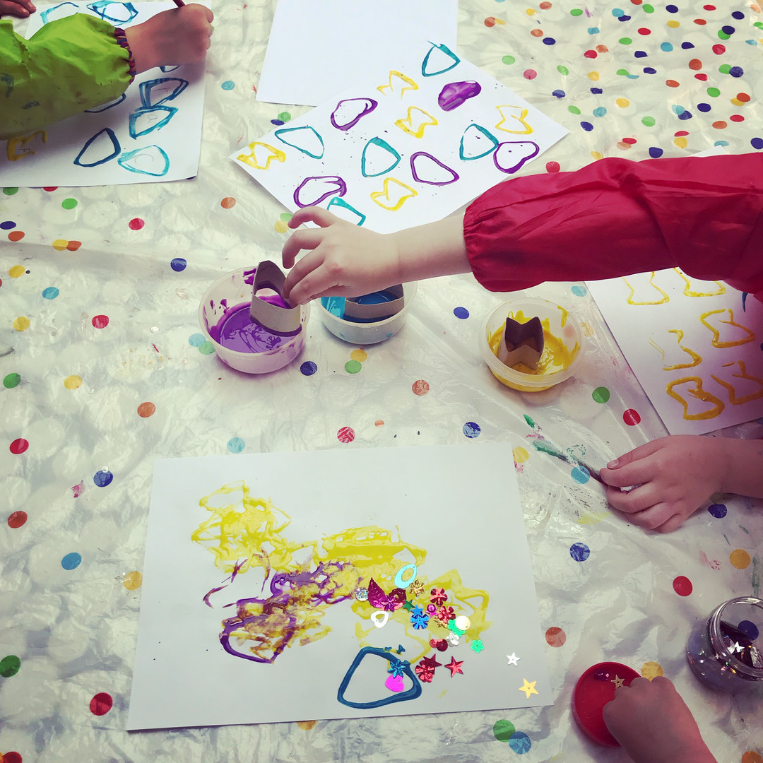 Messy art - painting with toilet rolls!