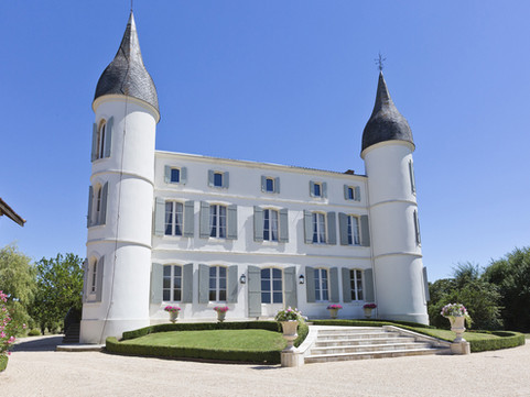 Immaculate Chateau View