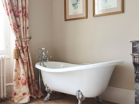 Immaculate Chateau Bathroom