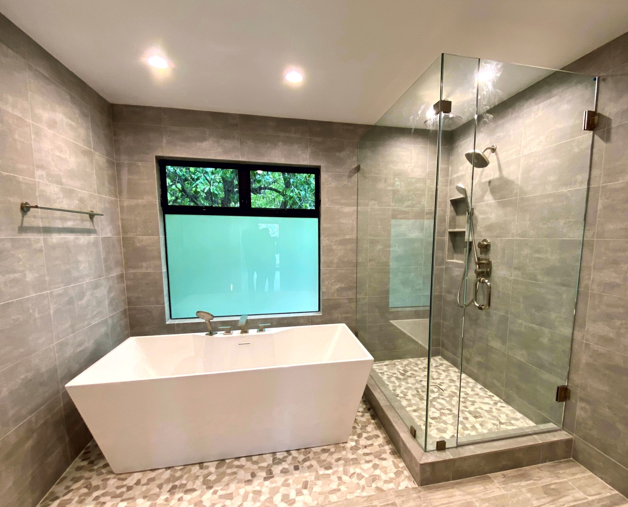 Contemporary Bath