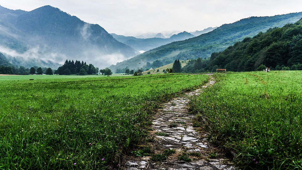 sentiero strada montagna.jpg