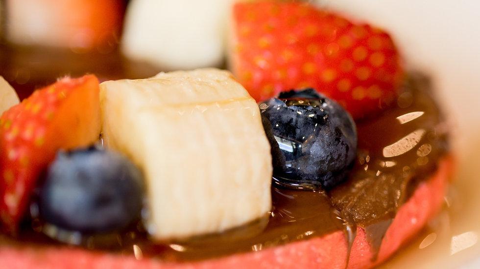Bagel w/ Fruits