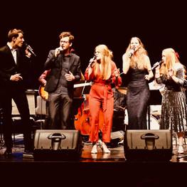 Die Lenas feat. Kai Dannowski & Johannes Rißler mit der HMT Big Band Leipzig unter der Leitung von Rolf von Nordensköld und Ansgar Striepens, Foto: Dan Baron