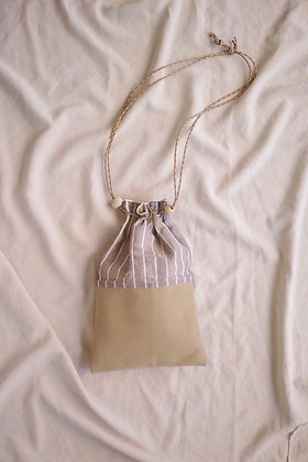 drawstring bag (dull beige mix)
