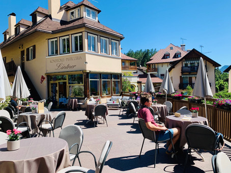 Klobenstein's New Neighbourhood Café